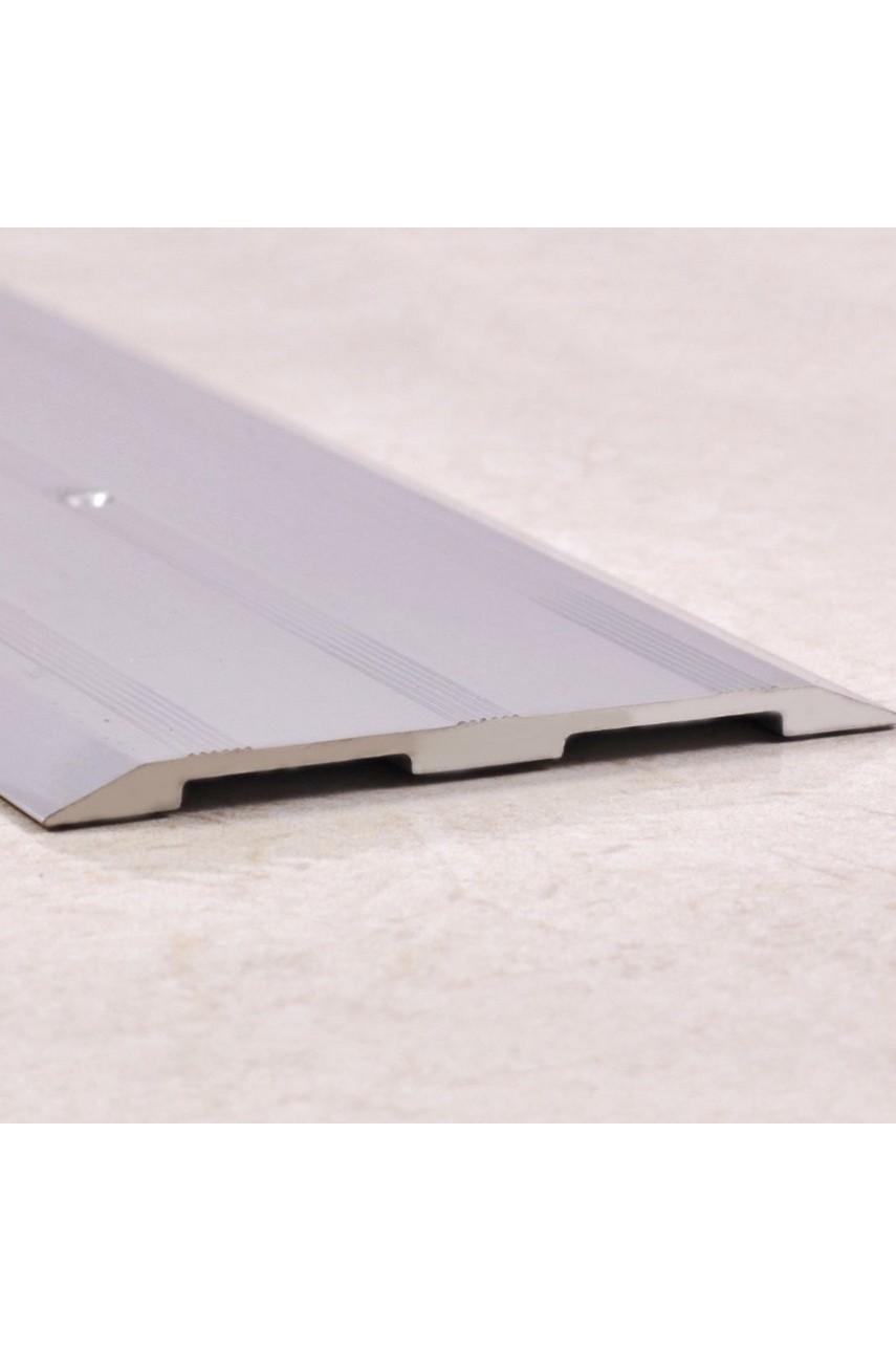 Алюминиевый порог рифленый, с отверстиями ПО 82