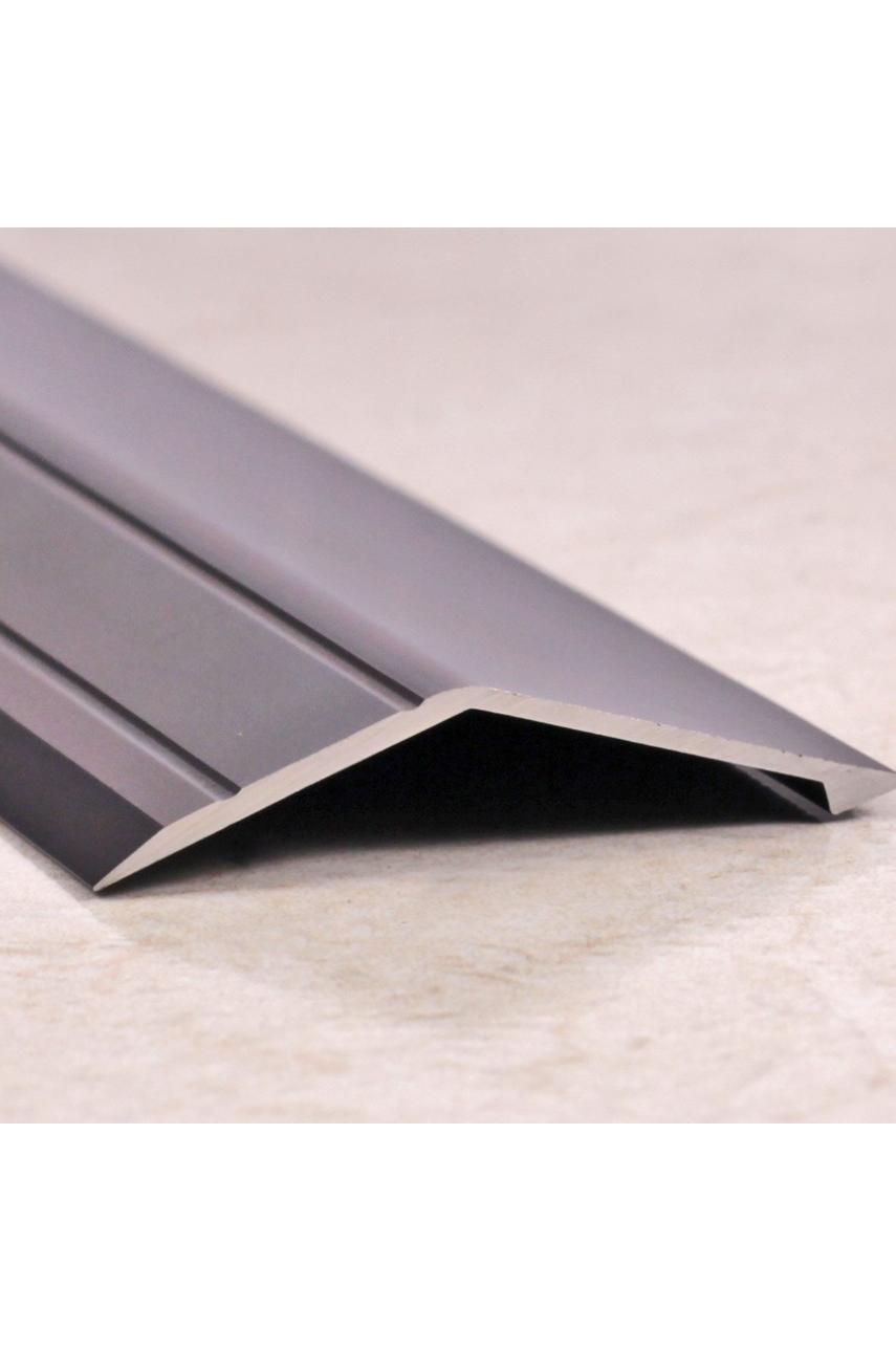 Алюминиевый порог с декоративными насечкеми, с отверстиями ПО 45х15