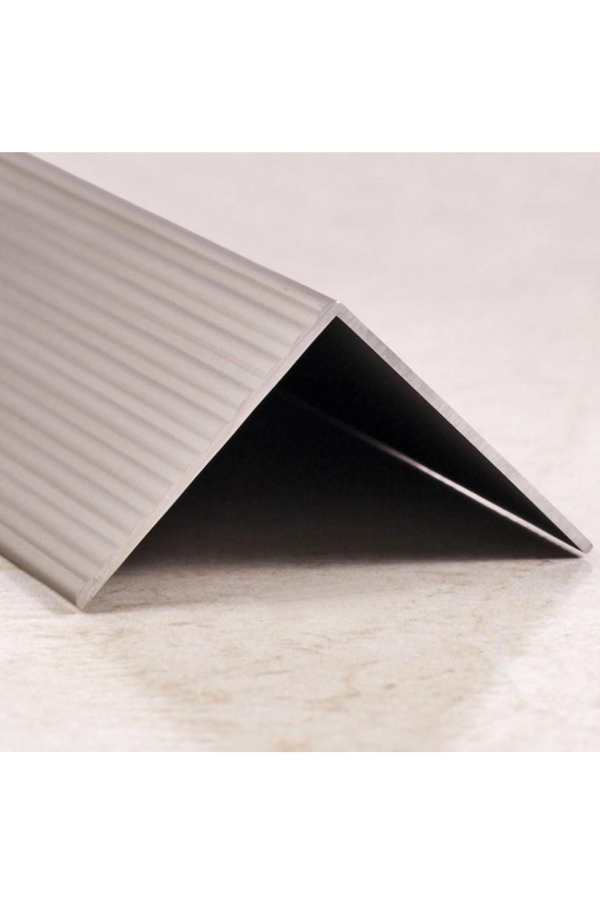 Алюминиевый угловой порог рифленый с отверстиями ПО 40х40